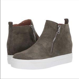 NWOT Steve Madden Wedgie High Top Platform Sneaker